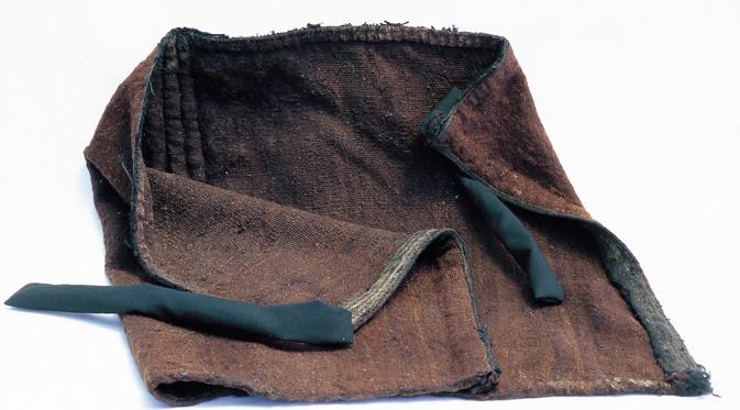 G-14.  굵은 베옷과 채색 옷