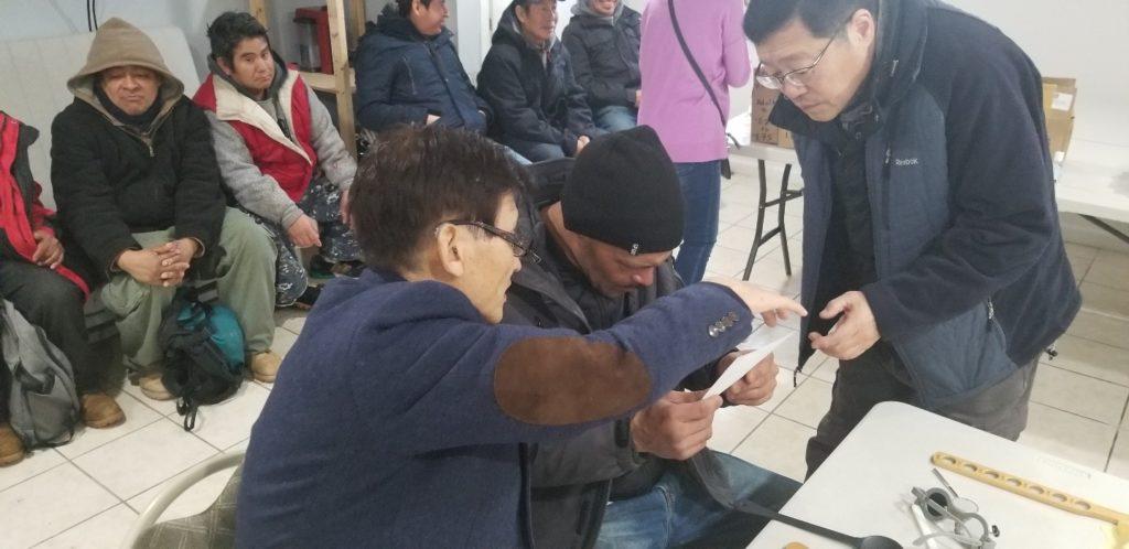 열방선교회 거리사역과 안경사역